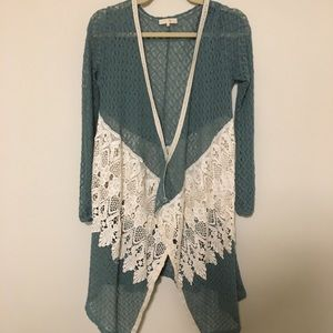 Small Ryu cardigan with amazing lace